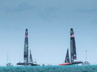 The 35th America's Cup. Louis Vuitton Americas Cup Qualifiers. The Great Sound. Bermuda. LandRover BAR skippered by Ben Ainslie 